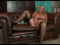 Mature Show Her Sensual Body.mp4