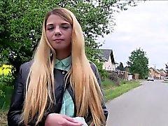 милашка блондинка минет hd