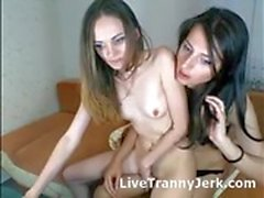 tette piccole trans e una ragazza webcam