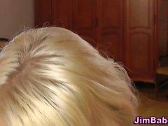 блондинка минет европейский