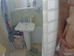 duschar tonåringar stora bröst