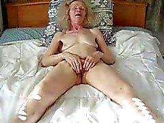 любительский мастурбация бабушки