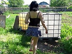 I'm pissing standing fountain, stream)