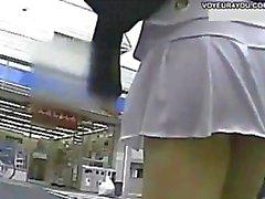 japanilainen upskirts tirkistelijä