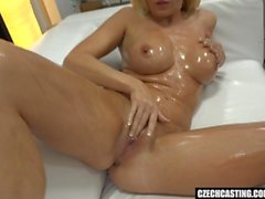 lotion cow-girl hardcore chaude gros seins blond