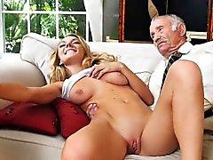 блондинка минет групповой секс