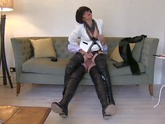 smoking leather milf in thigh boots sucks and fucks