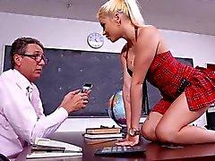 le sexe vaginal le sexe anal gros seins école