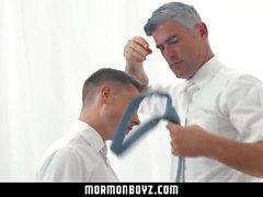mormonboyz far son pappa fucks sonmassage bareback raw pappa röv