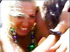 tyttöjä - mennyt - hullu ranta vesi