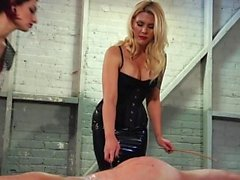 bdsm blondine brünett