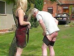 femdom de plein air fessée jardinier