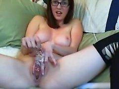 dilettante brunetta masturbazione
