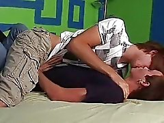 sovrum gay dubbar avsugning kyssas