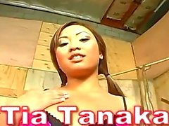 Asian slut gives a surprise blowjob in the barn