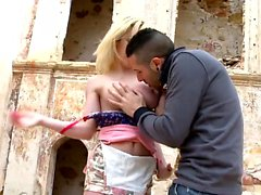 gros seins blond pipe éjaculation doggystyle