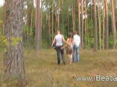bosque duro al aire libre ruso
