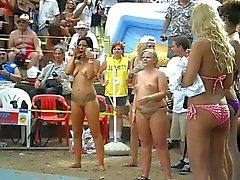 Offentlig nakenhet