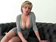 stora bröst blondin brittiskt europe
