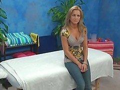 filles massage spycam caméra cachée