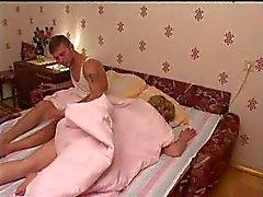 gang bang moeders en jongens slapen