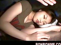 dilettante adolescente addormentato giapponese grandi tette