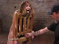 charlotte cross corde droit hogtied gag doigté corporel punition humiliation vaginale situation de pénétration