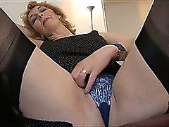 amateur blond masturbation