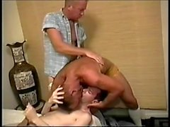 gays trio galo 3some boquete fetiche piercing torção kinky grupo homossexual vintage