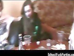 amateur anaal college meisje dronken groepsseks