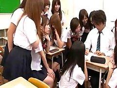 asiatique pipe collège sexe en groupe japonais