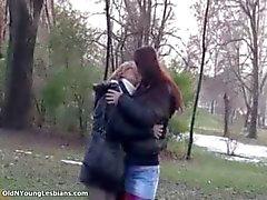 huisvrouw lesbisch masturbatie volwassen milf