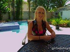 amatör blondiner onani tonåringar utomhus