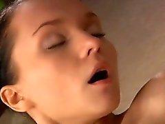 anal bebé morena