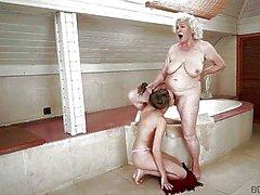 mummi mummon lesbo porno mummo viettelee tyttö karvainen lesbo