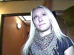 amatööri blondi suihin hardcore