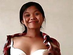 aziatisch brunette behaard naakt preggo
