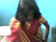 dilettante hardcore indiano tette piccole