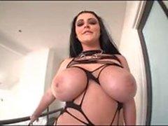 suuri - boobs pusku teini-ikäinen