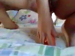 amador asiático masturbação vibrador cenoura