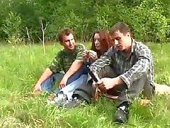 bosque sexo en grupo grupo de tres