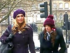 brits femdom vingerzetting lesbiennes spanking