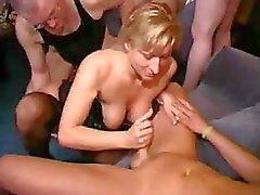 amateur big tits blowjob vollbusig abspritzen