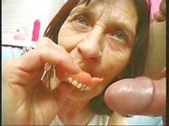 mamie mature grand - seins ancienne - jeune