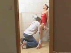 blowjobs étudiant toilette