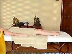 bébé massage amateur étudiant