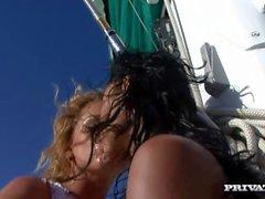 lesbiennes euroboat mer doublé