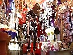 Lack und leder shopping - Scene 1