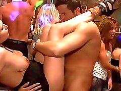 blowjobs toiminta klubi clubbers humalassa puolue porno