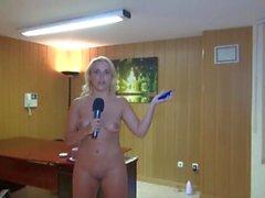 gracioso pezones desnudez pública estriptís